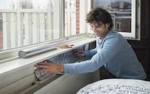 Aanbrengen radiatorfolie